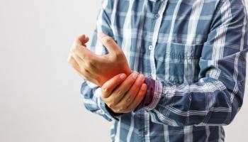 Moderní léčba revmatoidní artritidy: pacienti tráví minimum času v nemocnicích a dříve se vracejí do pracovního i běžného života