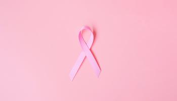 Měsíc boje proti karcinomu prsu